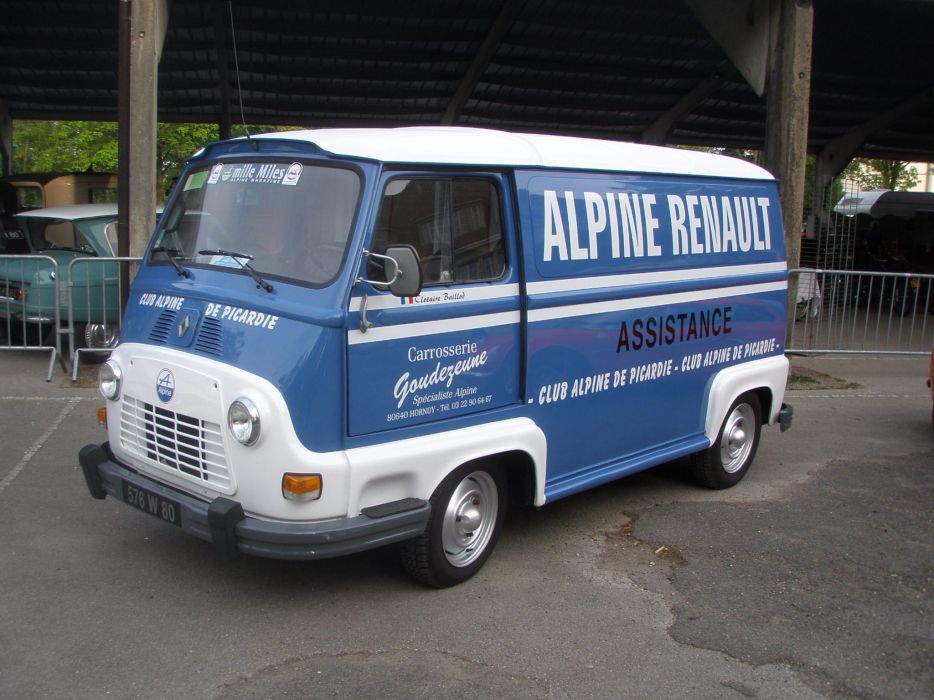 Renault Estafette french classis delivery van wallpaper