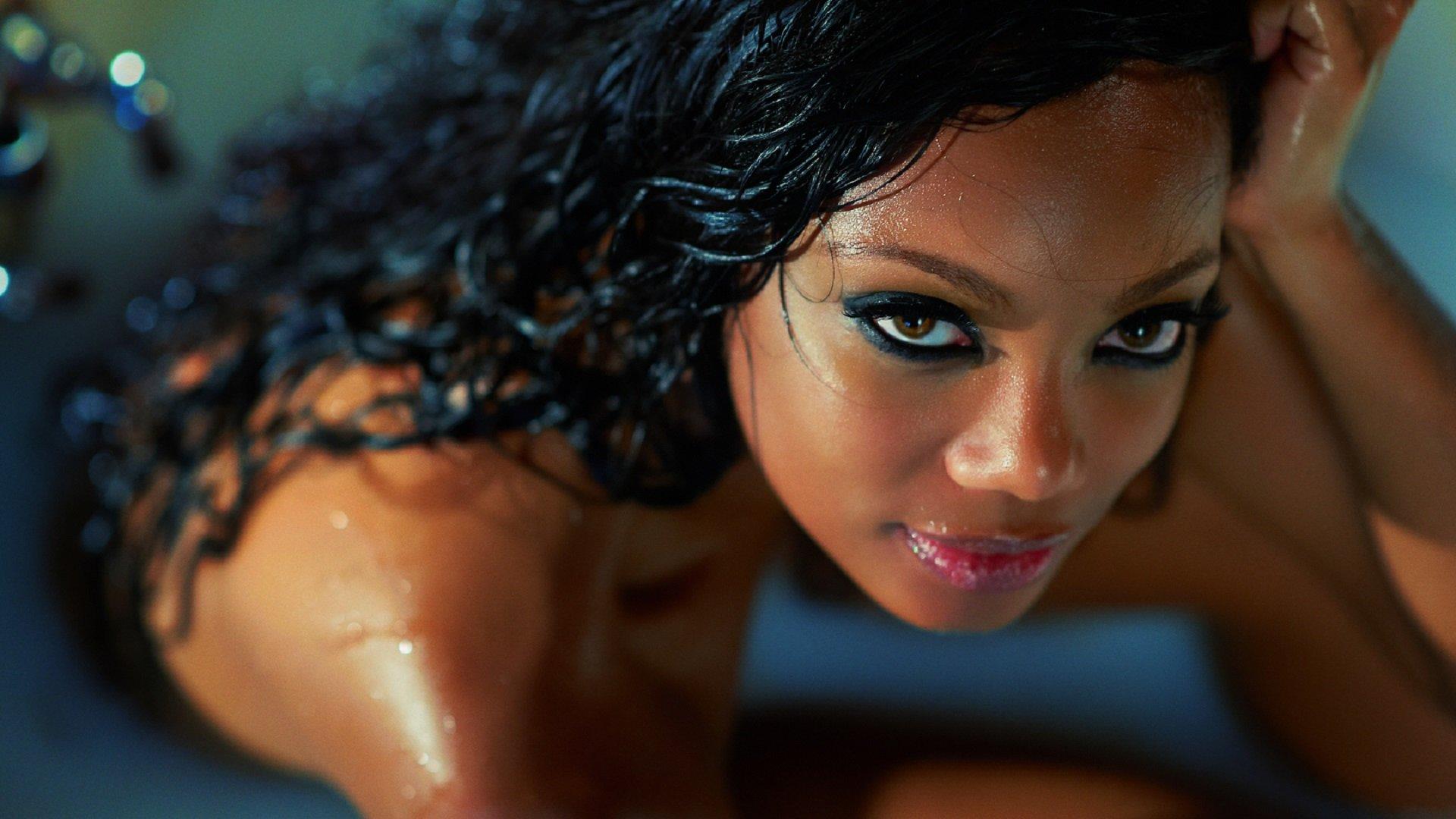 Смотреть мулатка сосёт, Секс видео: минет, мулатки. Смотретьпорно видео 1 фотография