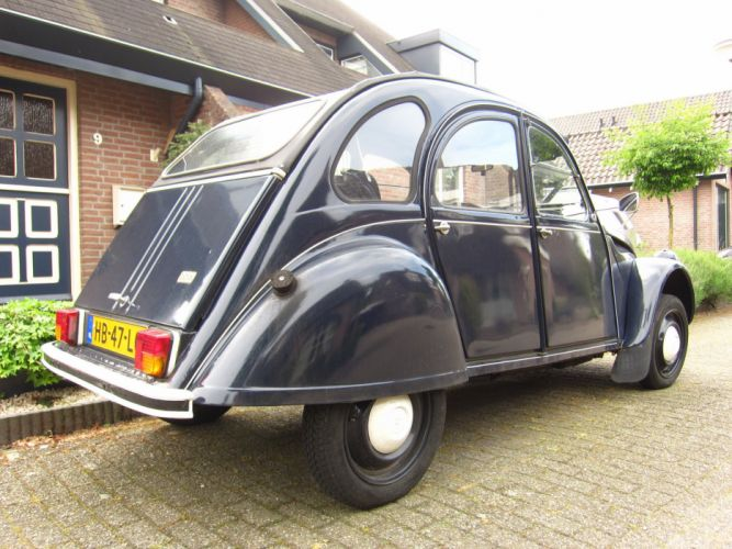2cv Citroen classic cars french wallpaper
