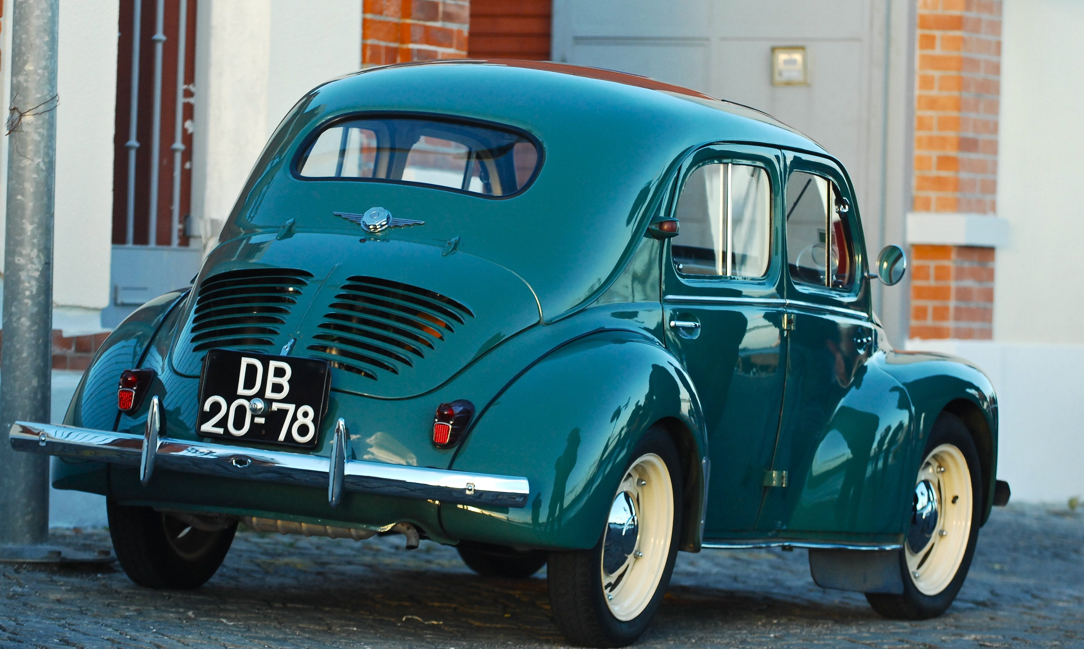 renault 4cv classic cars french wallpaper 3723x2231 593541 wallpaperup. Black Bedroom Furniture Sets. Home Design Ideas