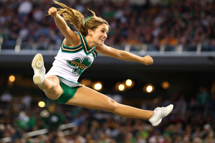 NOTRE DAME Fighting Irish college football cheerleader wallpaper