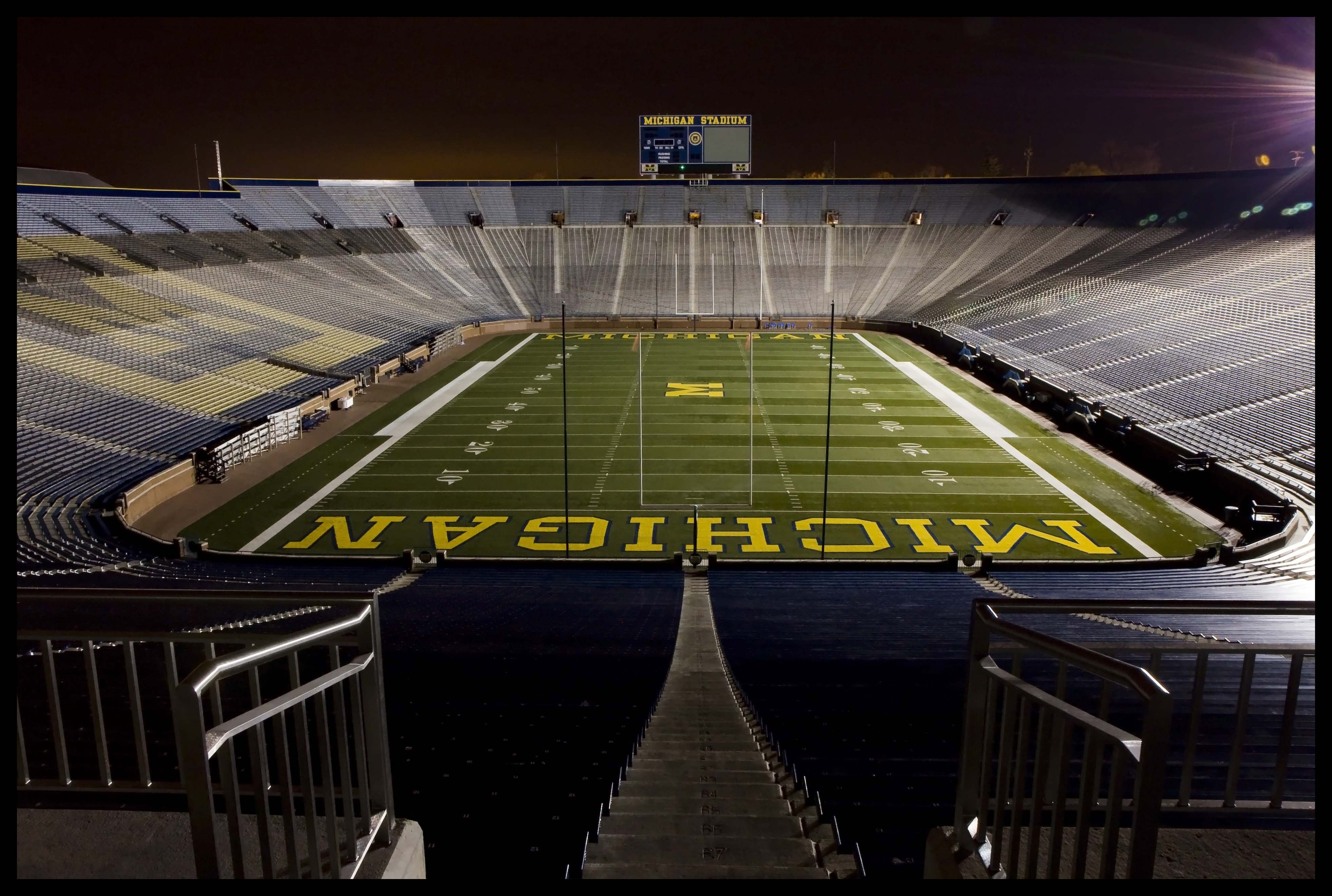 michigan wolverines college football wallpaper 3926x2642