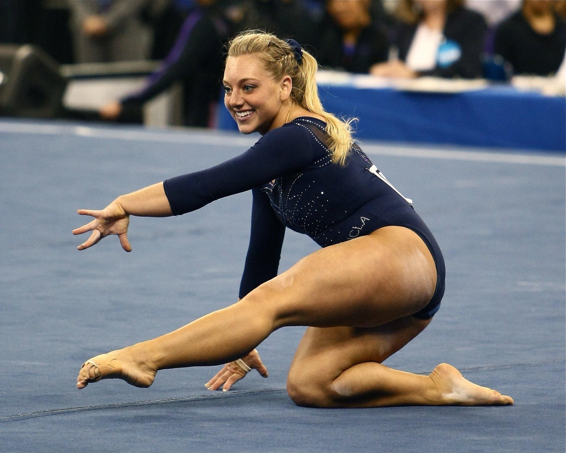hottest female gymnast nude