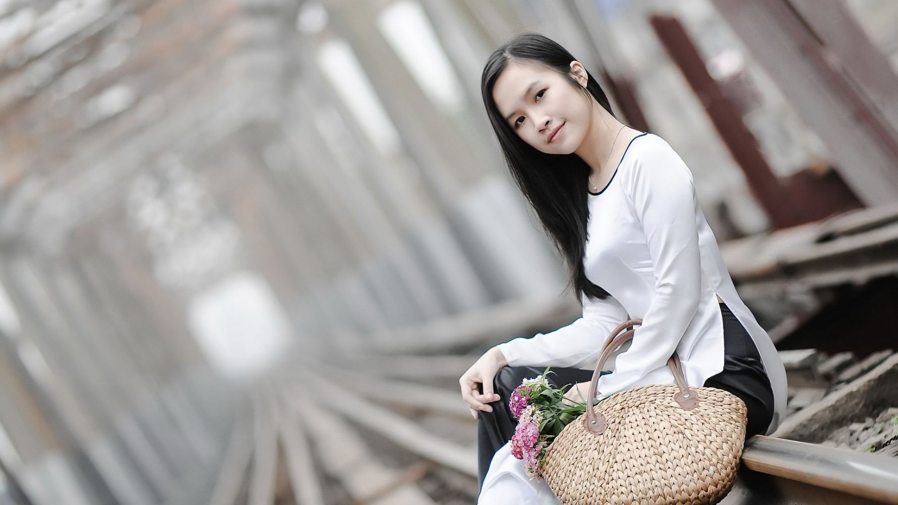 asian-girl-railed-trophy