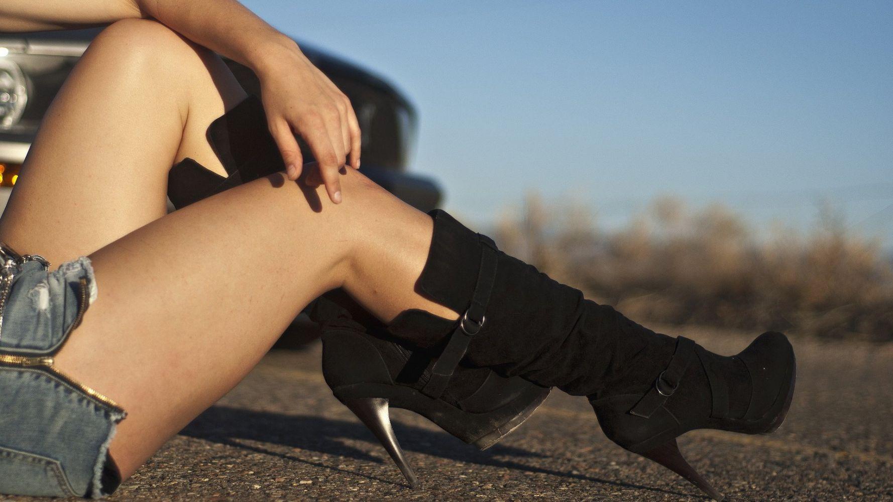 Картинки женских ног красивые на аву