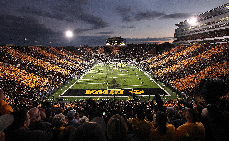 Iowa Hawkeyes College Football Wallpaper 3000x1847 597192