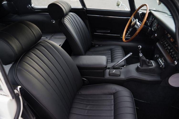 1968-71 Jaguar E-Type Fixed Head Coupe US-spec Series-II classic luxury supercar wallpaper