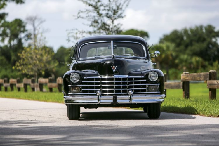 1947 Cadillac Sixty Special Fleetwood Sedan 6069 retro luxury vintage wallpaper