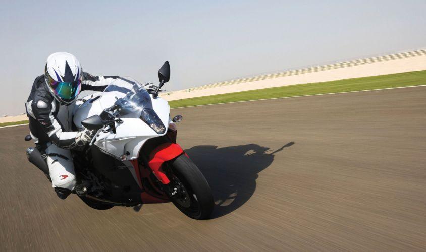 2015 Hyosung GT650R bike motorbike sportbike wallpaper