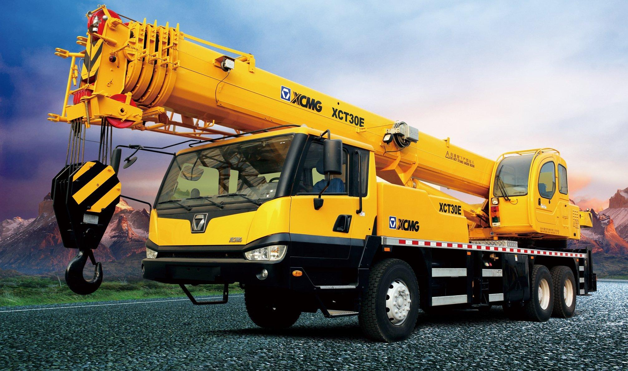 Mobile Crane Machine : Mobile crane construction truck semi tractor ariel cranes