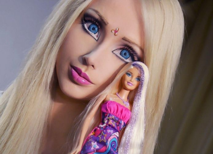 COSPLAY - Valeria Lukyanova barbie blonde doll wallpaper