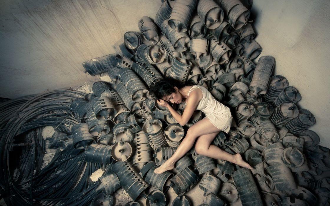 SENSUALITY - girl brunette scraps sleeping barefoot wallpaper