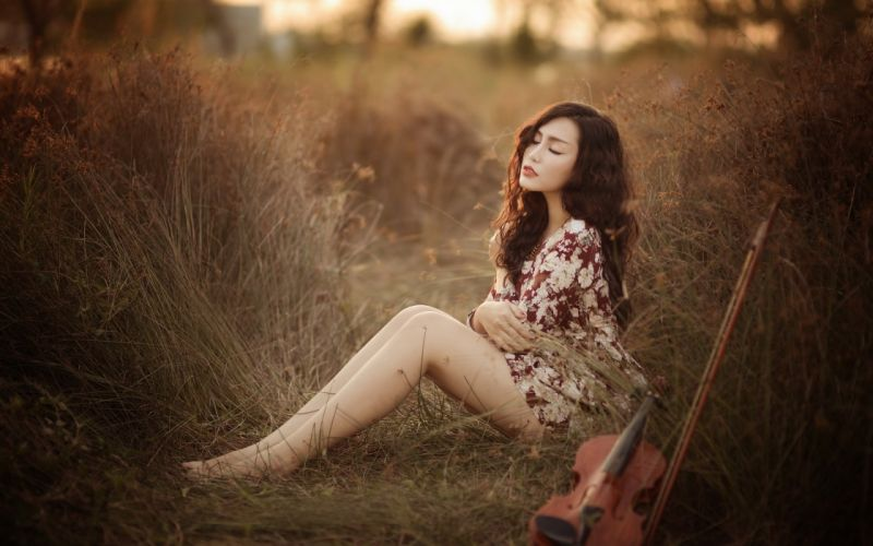 SENSUALITY - summer grass girl asian violin music wallpaper