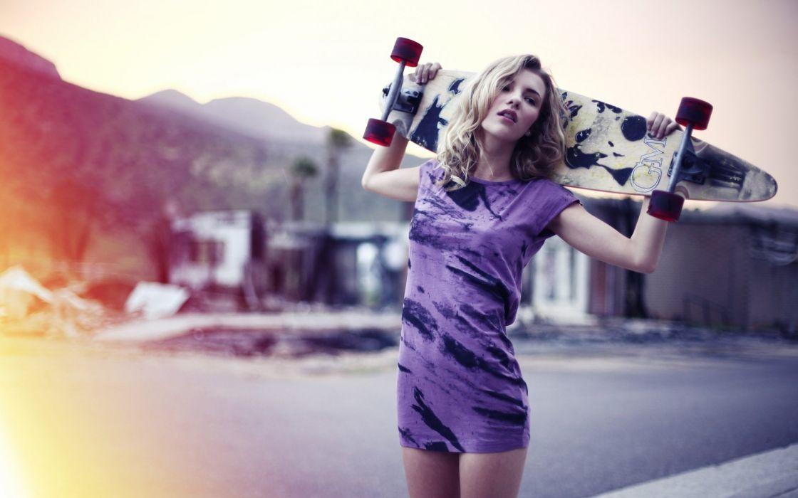 SPORTS - girl blonde skateboard wallpaper