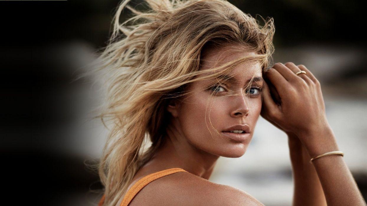 beauty woman doutzen Kroes actress model wallpaper