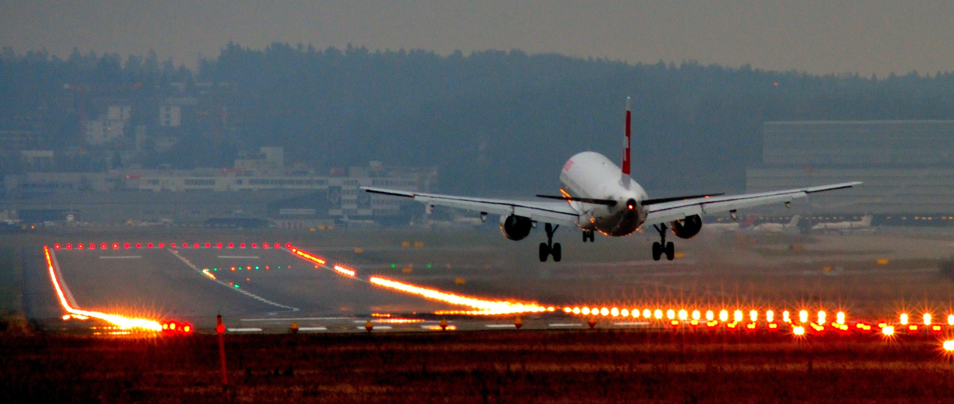 airplane landing wallpaper wallpapers - photo #3