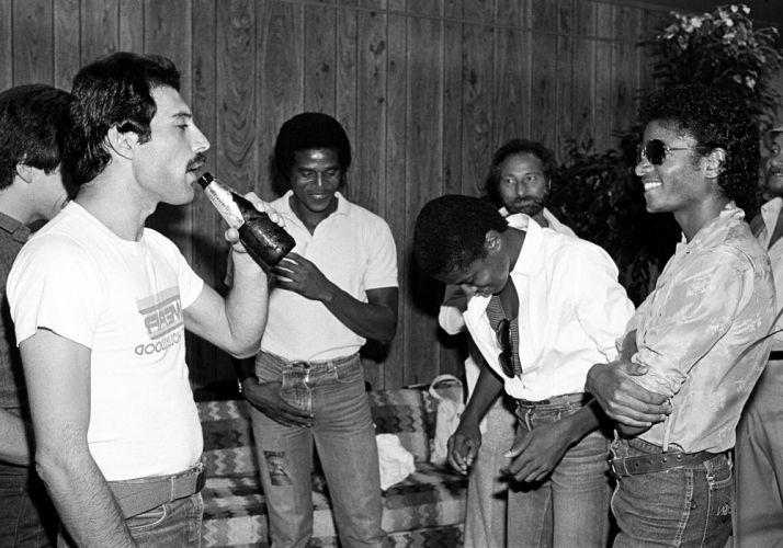 MICHAEL JACKSON dance pop r-b blues singer disco swing 1mjackson soul queen freedie mercury wallpaper