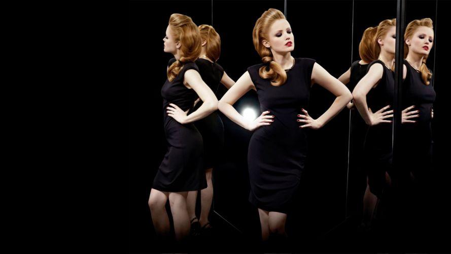 beautiful - sensual - and-hot mirror reflektion wallpaper