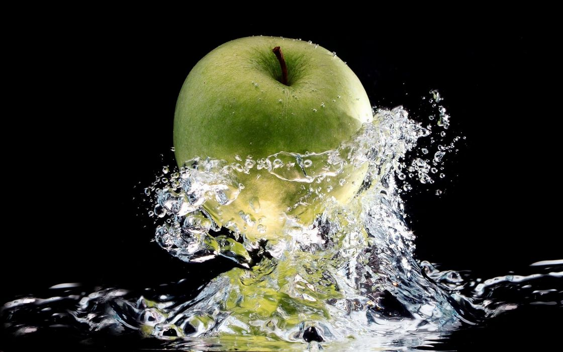 ART - Green apple water splash wallpaper