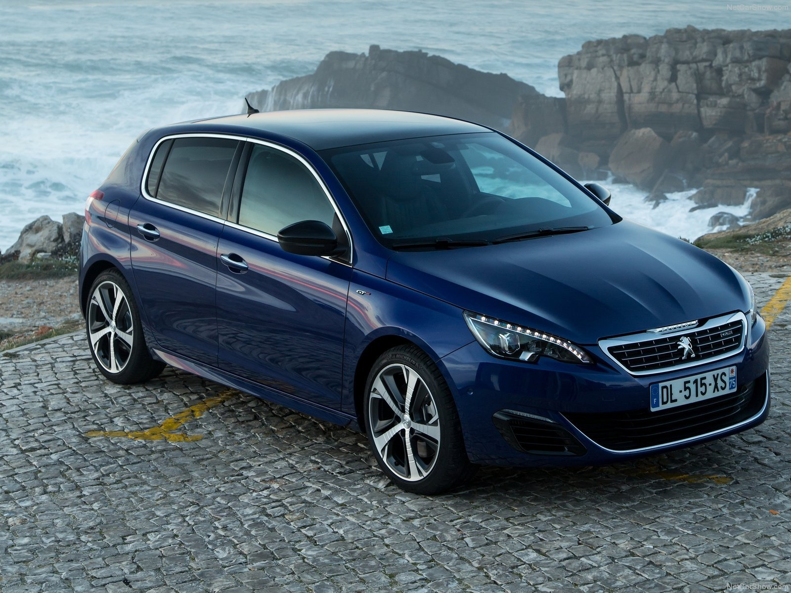 peugeot 308 gt 2015 cars french blue bleu wallpaper 1600x1200 604534 wallpaperup. Black Bedroom Furniture Sets. Home Design Ideas