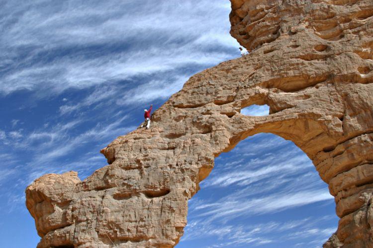 Algeria Tassili mountains climb desert wallpaper