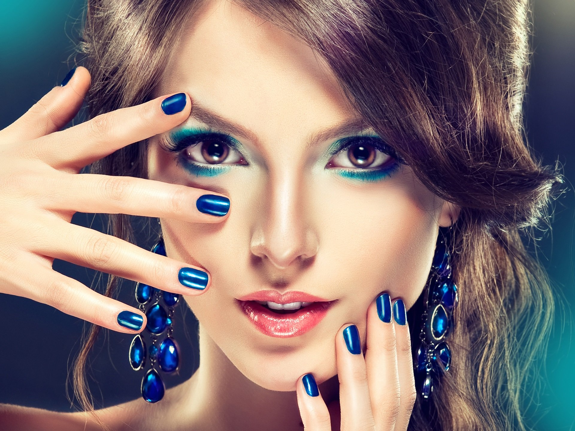 Makeup Fashion Girl Blue Style Sensuality Wallpaper