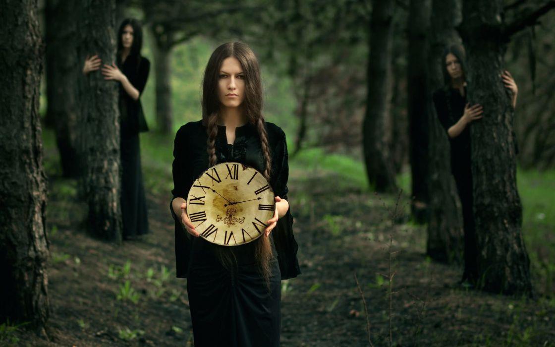 PORTRAIT - blackdress girl forest clock wallpaper