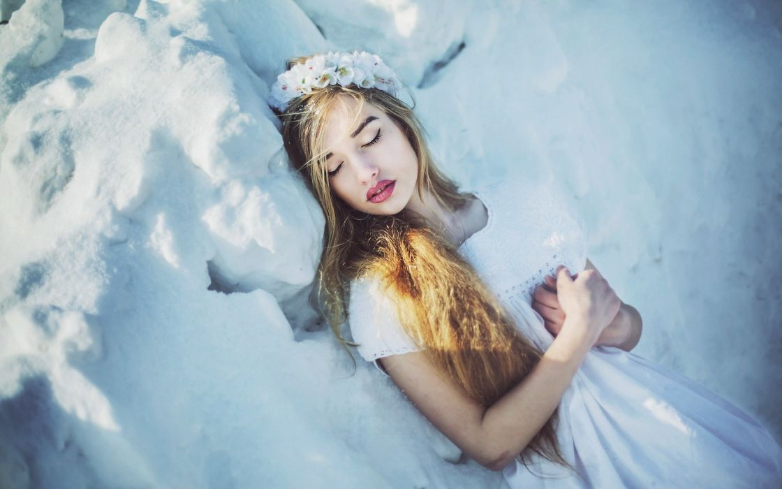 PORTRAIT - girl winter snow white wallpaper