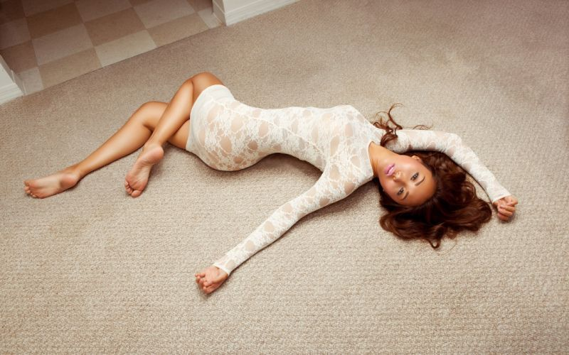 SENSUALITY - asian girl pose lying floor wallpaper