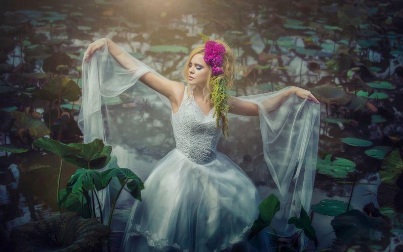 SENSUALITY - blonde girl dance water lilies wallpaper