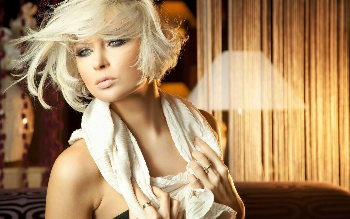 SENSUALITY - charming blonde girl lips wallpaper