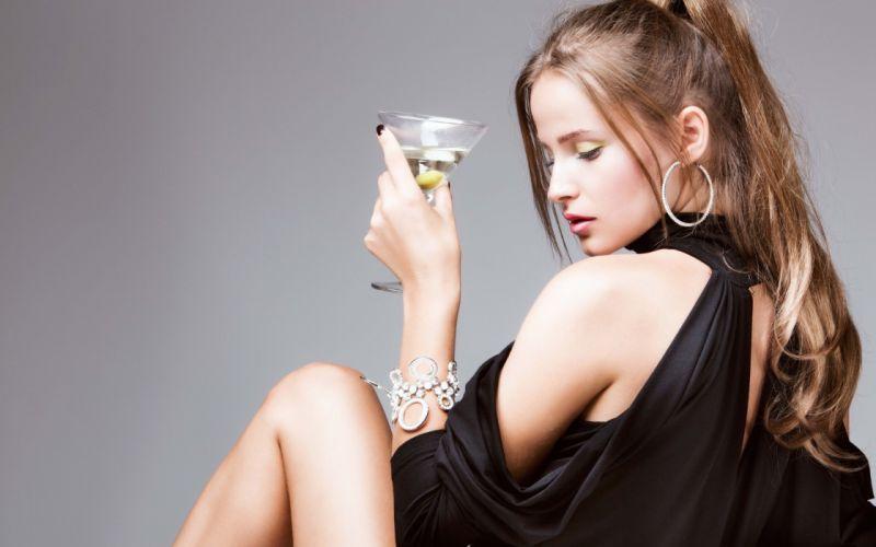 SENSUALITY - girl blonde martini cocktail wallpaper