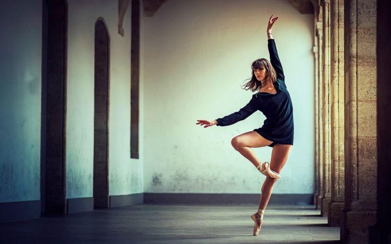 SENSULAITY - blue clothes girl dance wallpaper
