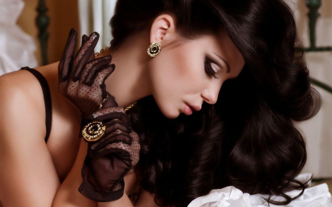 SENSUALITY - beautiful brunette girl pendant earrings jewelry wallpaper