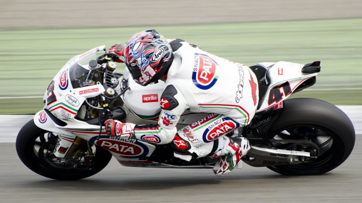 2008-aprilia-rsv-1000-r-motorcycle-hd-wallpaper-2560x1440-19148 wallpaper