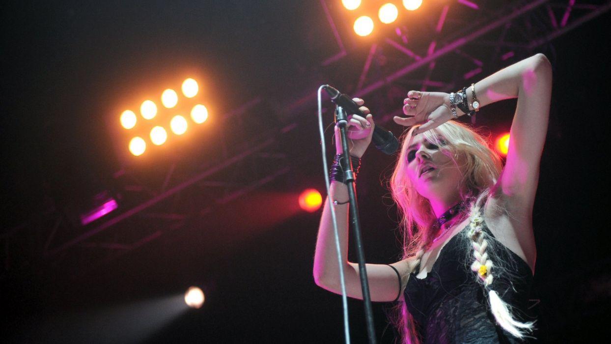 TAYLOR MOMSEN singer actress model blonde alternative rock hard babe sexy Pretty Reckless pop wallpaper