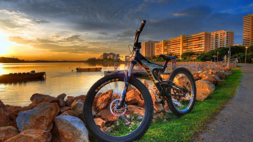 bicicleta-ciudad-playa wallpaper