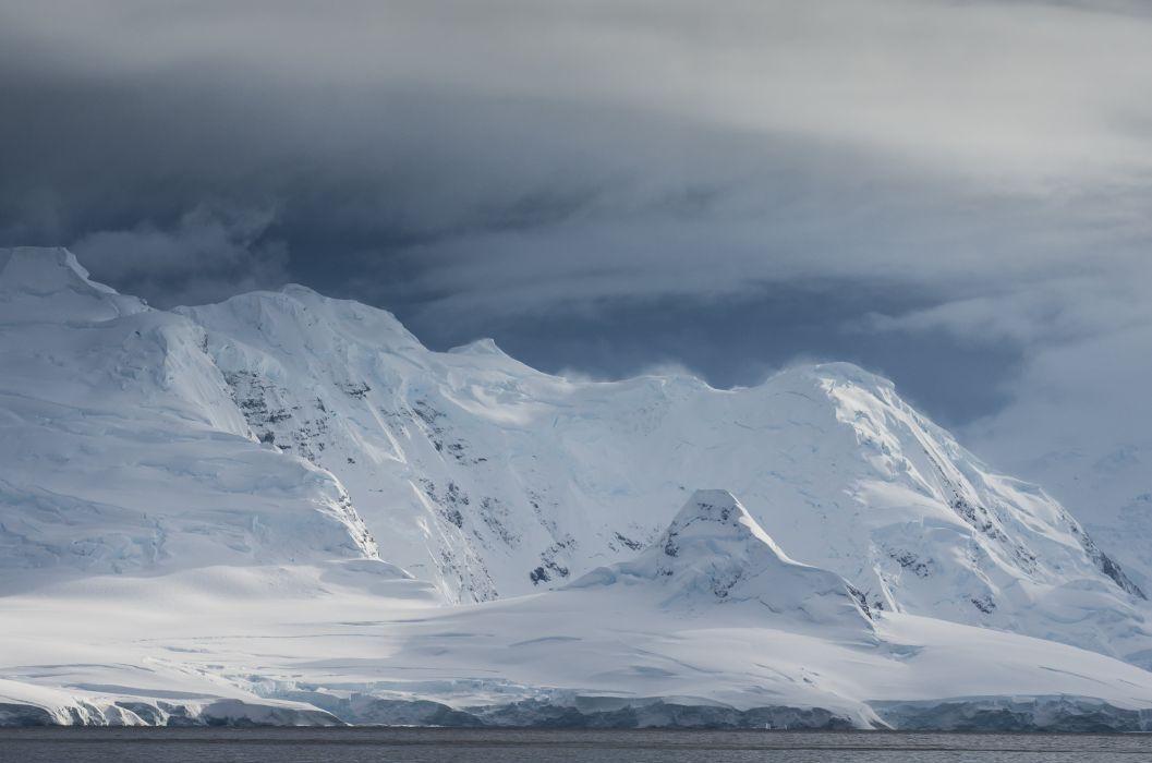 (Winter coming) mountain snow sea wallpaper