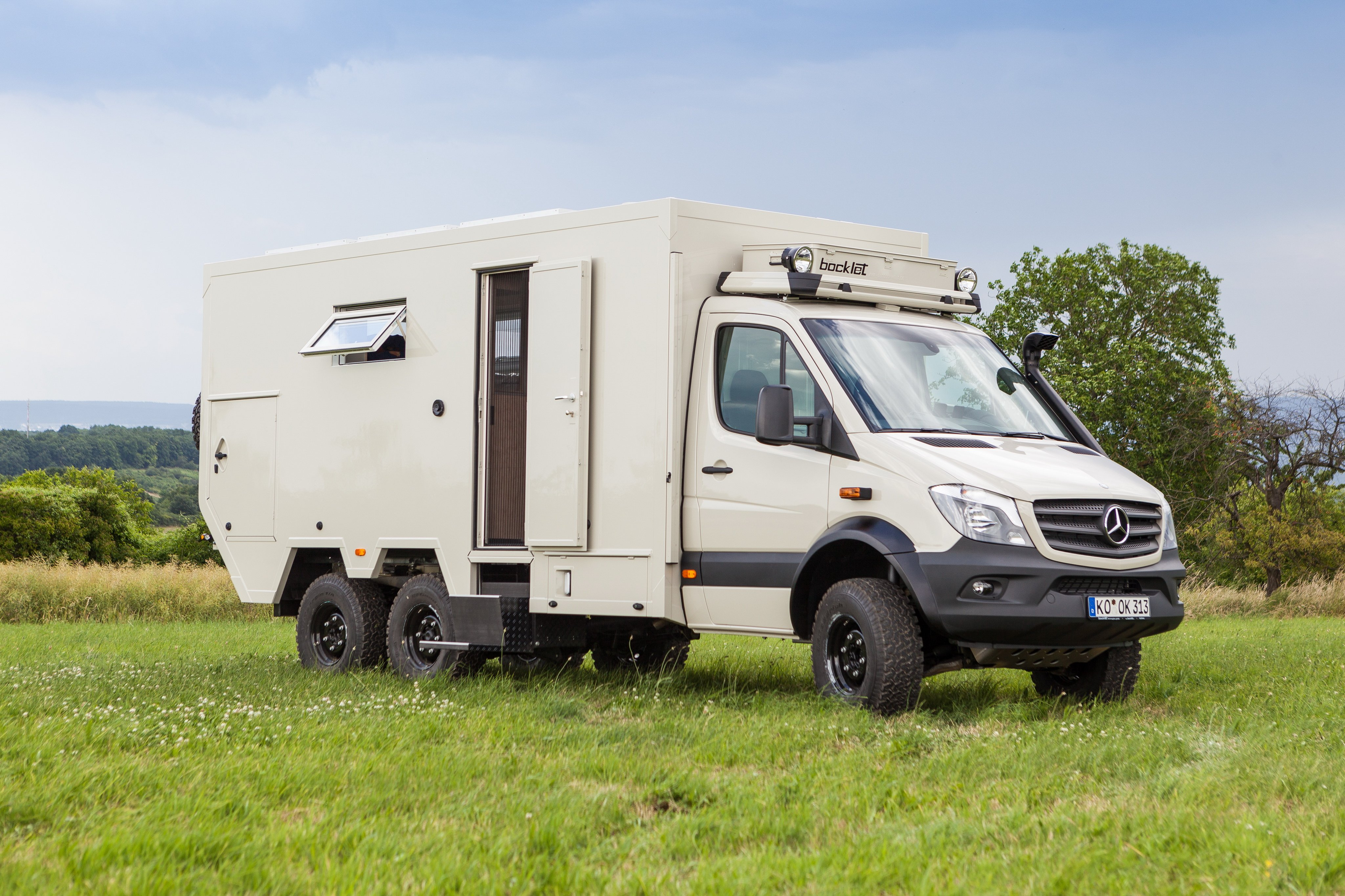 Model Source More Photos Truck Yeah Via Jalopnik Awesome Mercedes Off Road Camper Interior