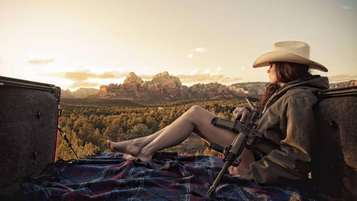 22685-cowgirl-with-a-machine-gun-2560x1440-girl-wallpaper wallpaper