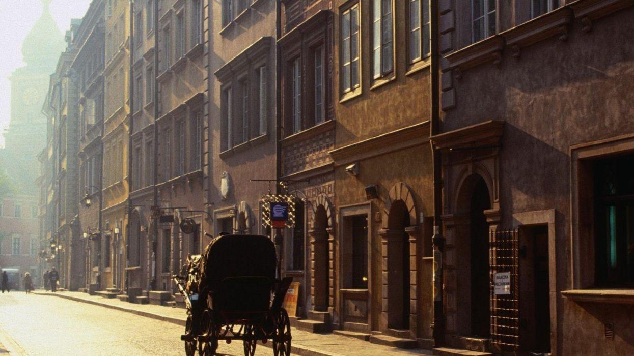 varsovia-polonia-carro-calles-ciudad wallpaper