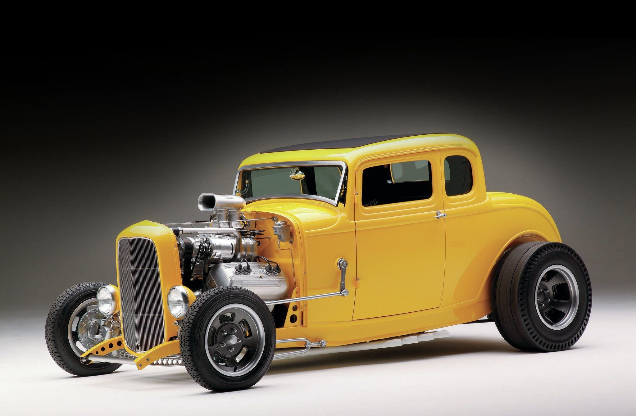 1932 Ford Five Window Coupe-01 wallpaper