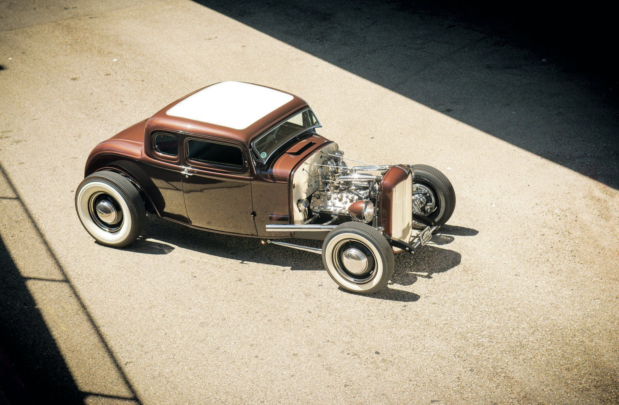 1932 Ford Five Window Coupe-03 wallpaper
