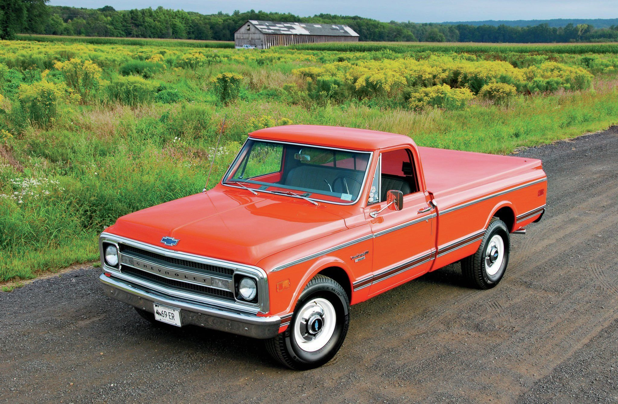 1969 Chevrolet C-20 Pickup-02 wallpaper