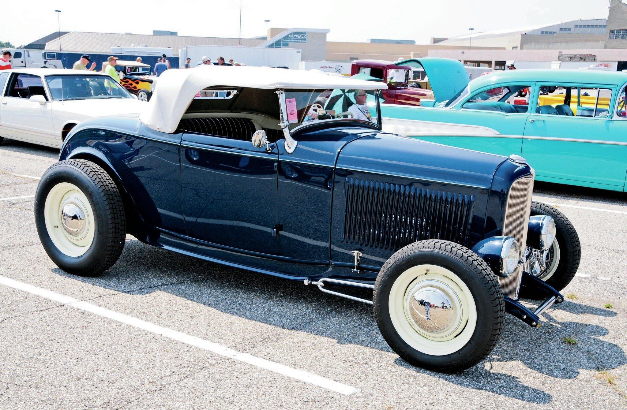 1932 Ford Roadster-07 wallpaper