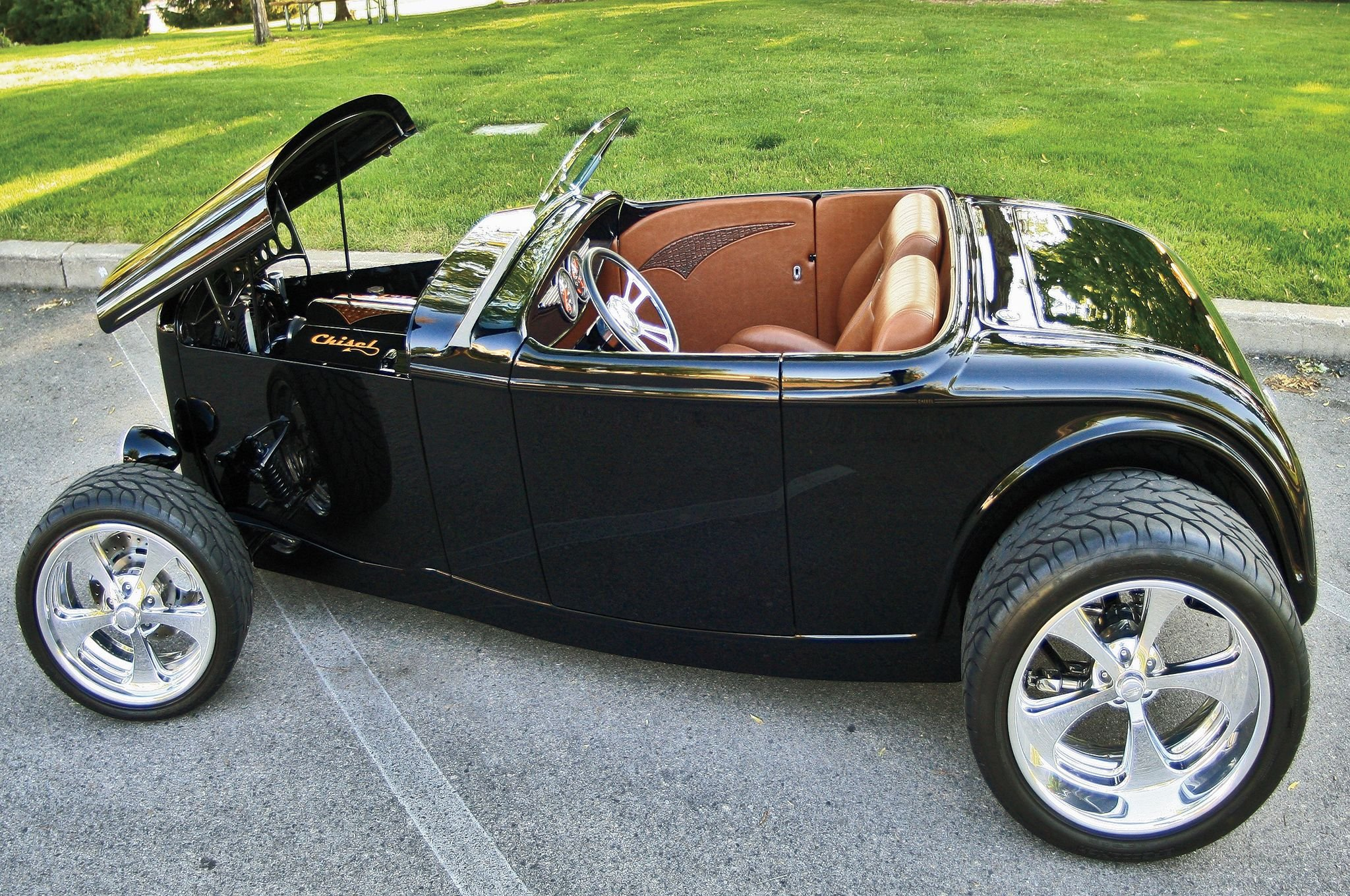 1932 Ford Roadster Hiboy-01 wallpaper