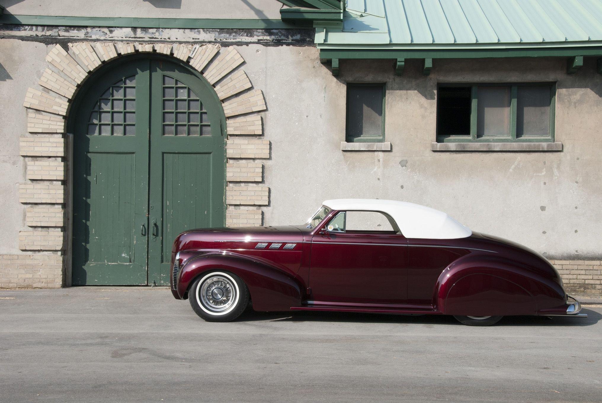 1940 Pontiac Custom-02 wallpaper