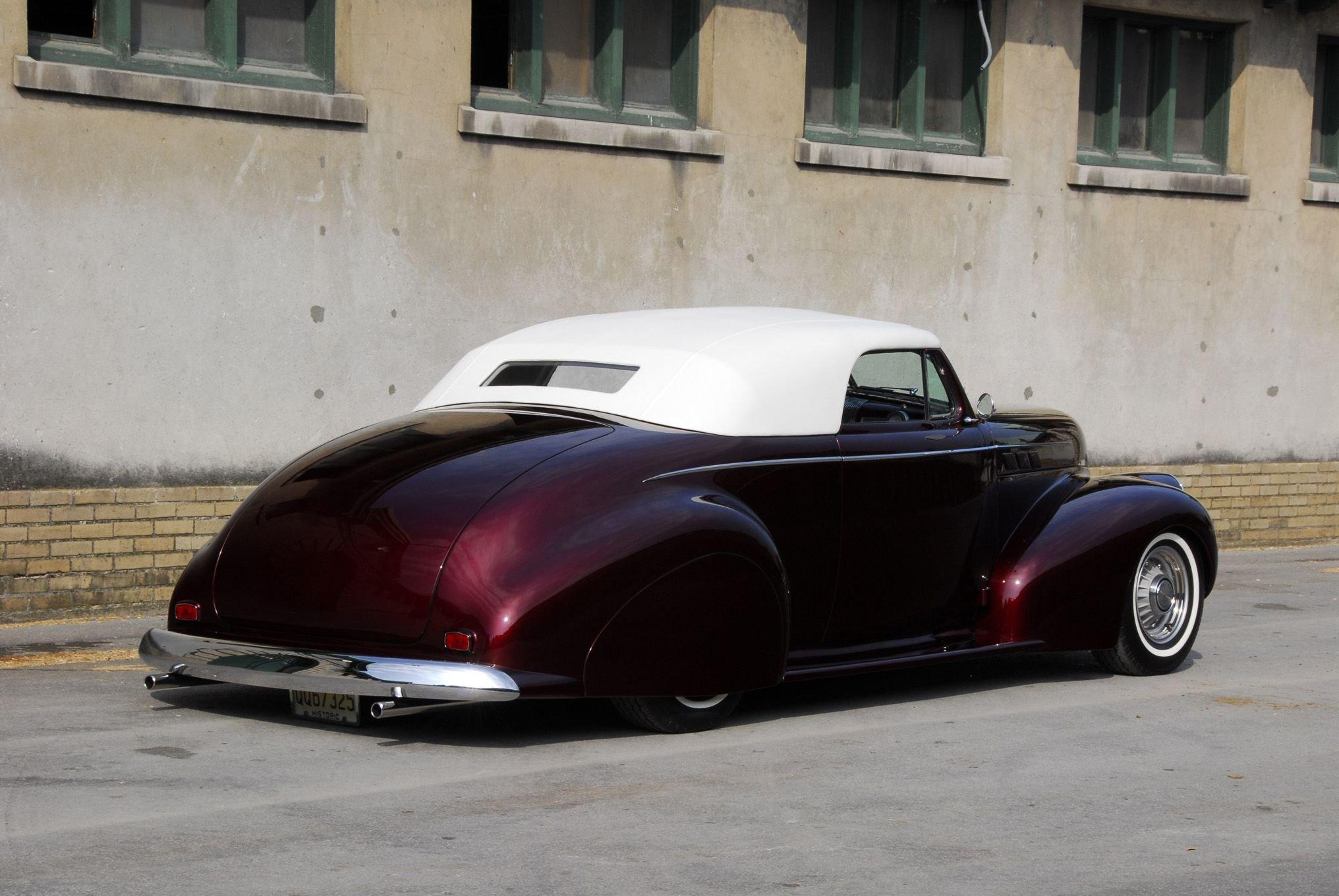 1940 Pontiac Custom-03 wallpaper