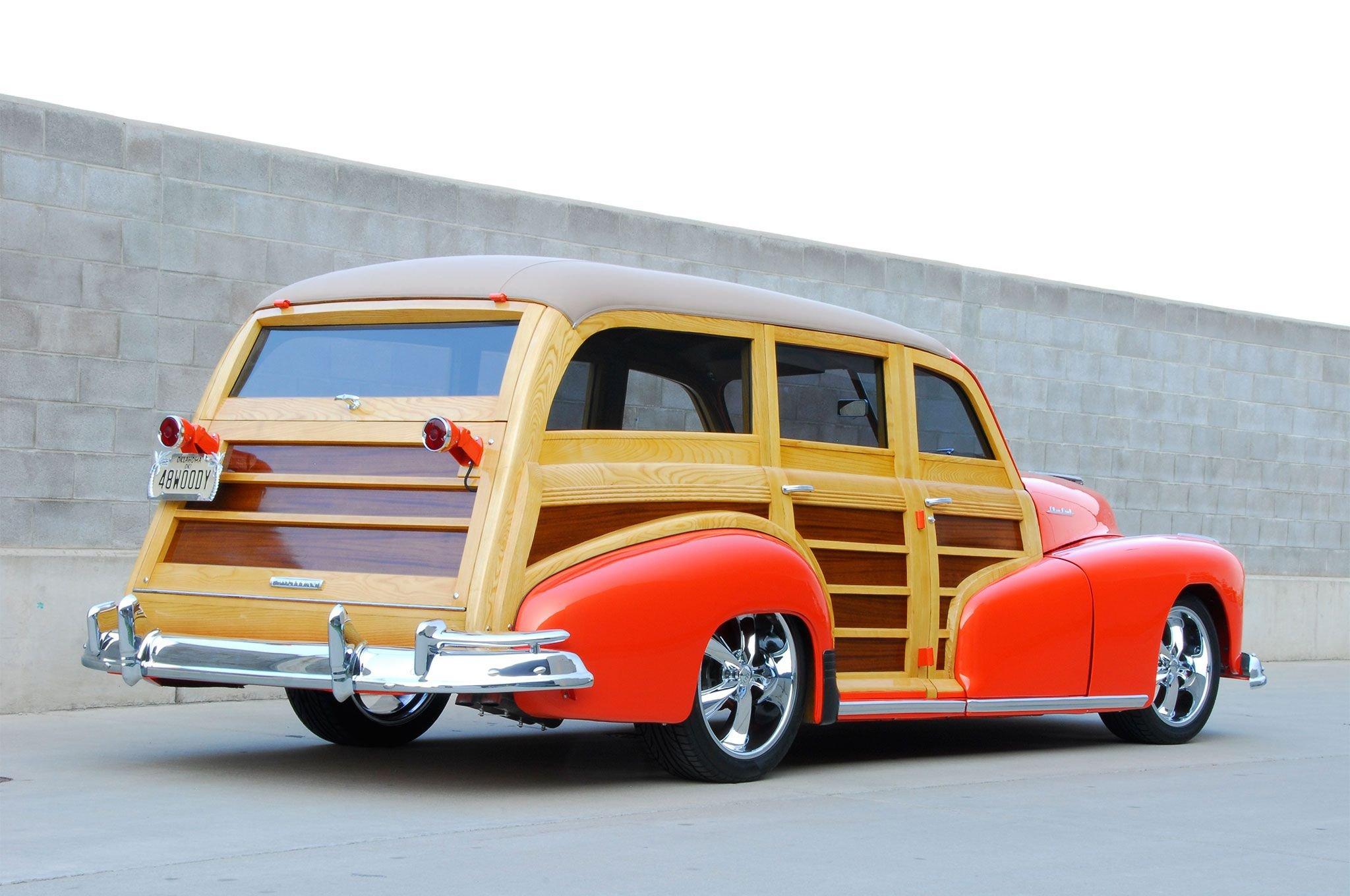 1948 Pontiac Streamliner Deluxe Woodie-02 wallpaper