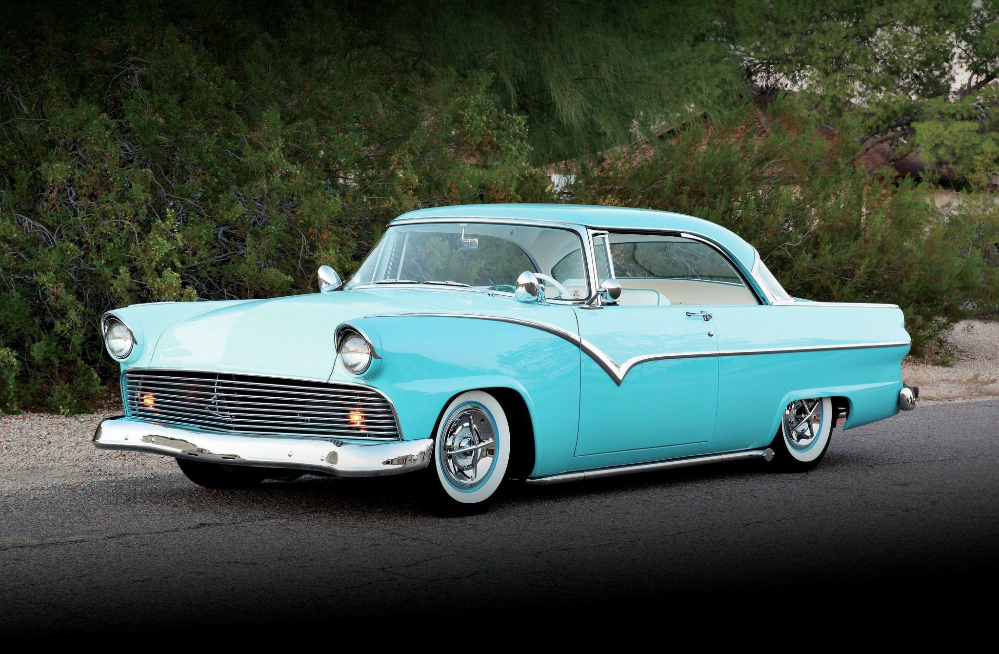 1955 Ford Victoria Hardtop-01 wallpaper